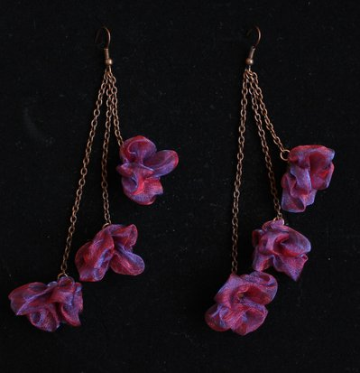 orecchini con i fiori di organza