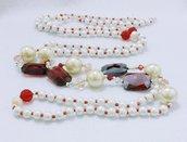 "Collana lunga di perle bianche ""Rosso di sera"""