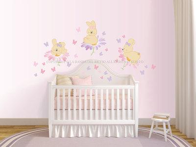 Conigliette sui fiori adesivi murali per la camera dei bambini