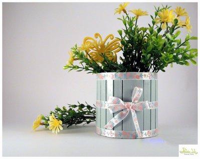 Vasetto romantic multiuso realizzato con la tecnica del riciclo creativo