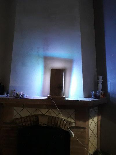 Lampada in legno di recupero con luci al led multicolor - Luci al led per casa ...