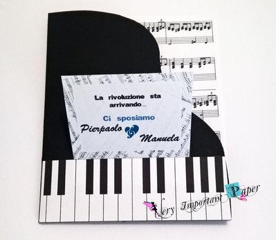 Partecipazione Nozze a tema Musica - Biglietto pianoforte
