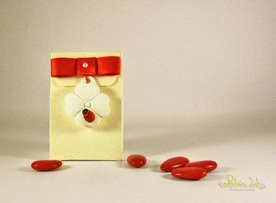 Scatola Sacchetto porta confetti con gessetto e coccinella in legno