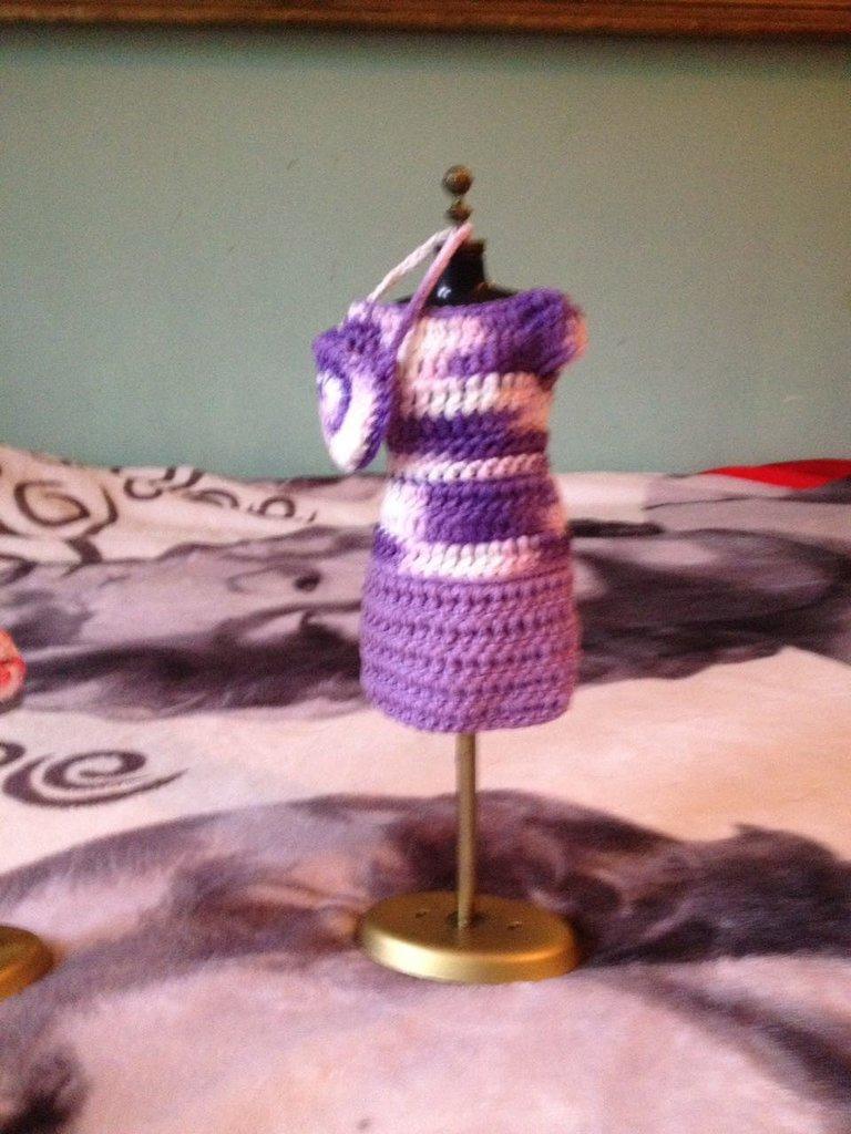 Vestitino di Barbie color lilla viola