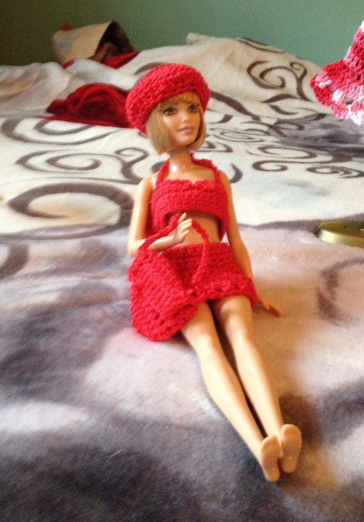 Completino di Barbie rosso