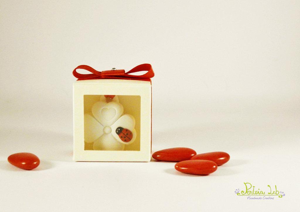 scatolina con scomparto con gessetto quadrifoglio e coccinella