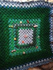 Coperta colorata nei toni del verde