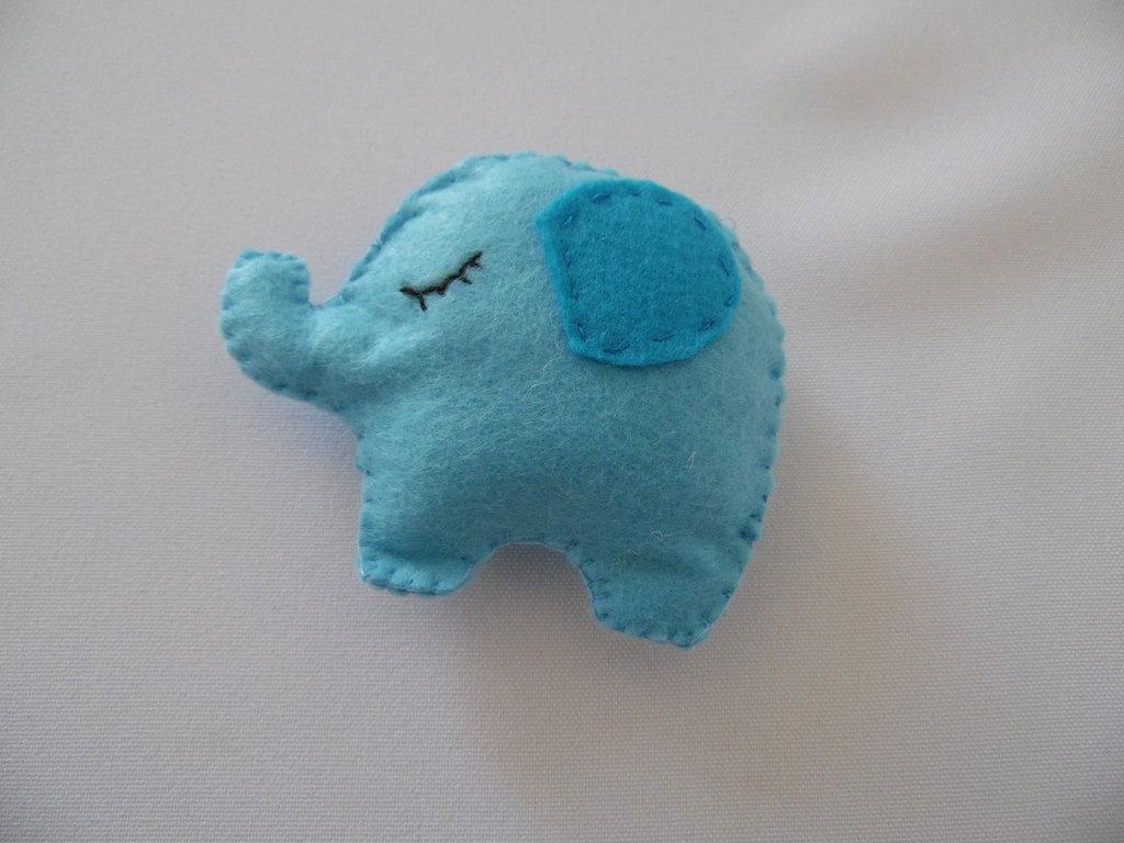 Bomboniera Elefantino calamita in pannolenci
