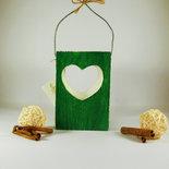 Lanterna in legno di recupero con cuore traforato a mano