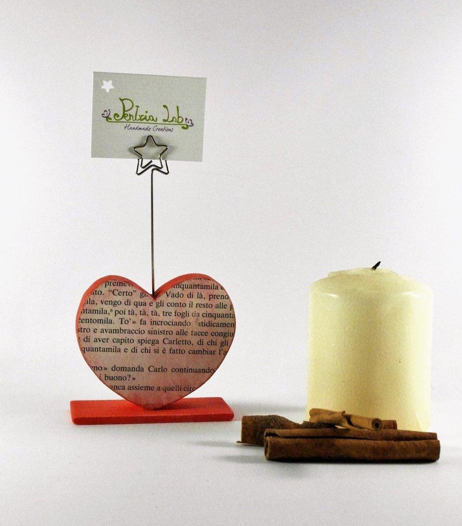 portafoto/porta-memo a forma di cuore, in legno di recupero e carta - riciclo creativo