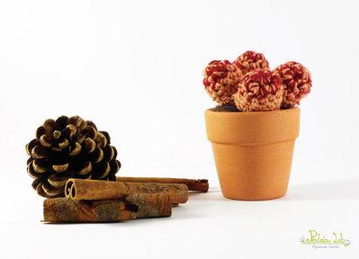 piantina grassa ad uncinetto e vaso di terracotta 5 cm - amigurumi - oggetto decorativo