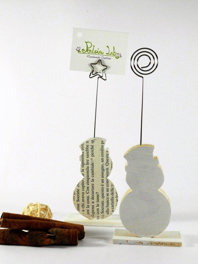 portafoto a forma di pupazzo di neve, colore bianco o con carta , in legno di recupero - riciclo creativo