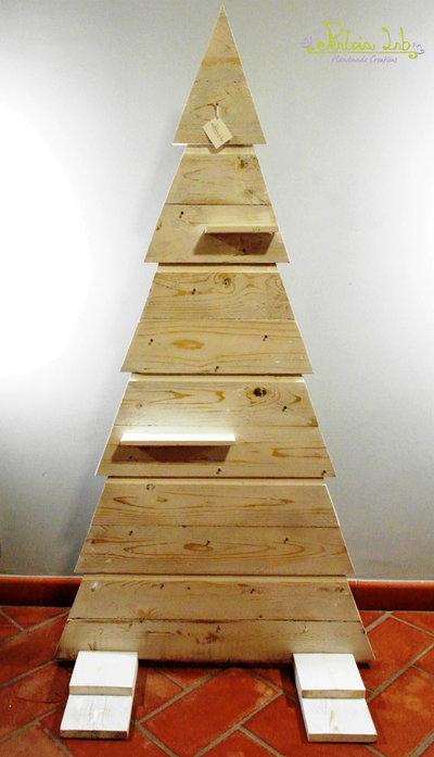 Albero di natale realizzato con legno di recupero, altezza 150 cm