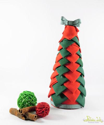 albero realizzato con tessuto in cotone verde e rosso - altezza 21 cm