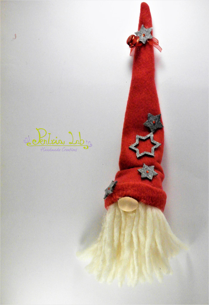 Gnometto in tessuto di pile rosso portafortuna , con barba di lana. appendino / decorazione natalizia
