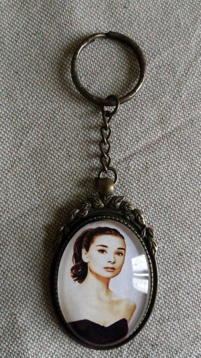 Portachiavi cabochon ovale vetro - Audrey Hepburn