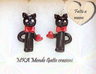 Orecchini pendenti fatti a mano in Fimo con l'aggiunta di perline - Collezione Cat my Love