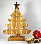 Albero in legno di recupero d'abete, con stella in rame. altezza 25 cm.