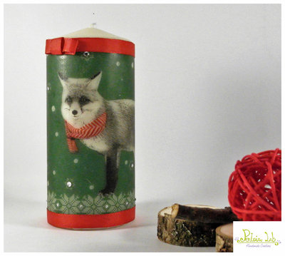 candela a tema natale od inverno realizzata a mano con strass crystal, volpe con sciarpa.