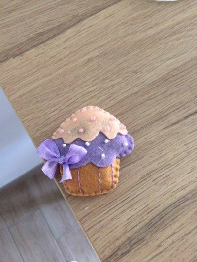Bomboniera - segna posto muffin realizzata interamente a mano
