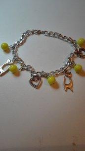 Bracciale catena con perline e charms stile gatto e cuore