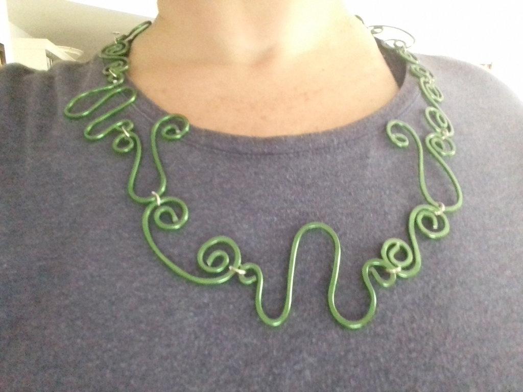 Collana in alluminio wire
