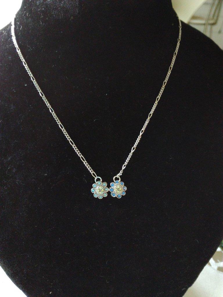 collana con catena in argento 925 e ciondolo doppio fiore con strass