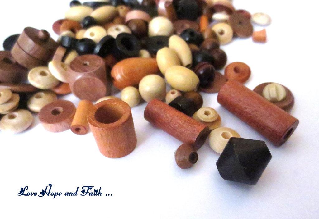 LOTTO 50 gr perle in legno naturale (cod.PRECIOSA)
