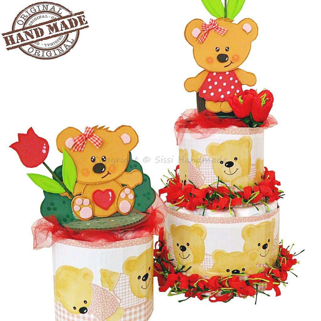 Torta di pannolini e centrotavola con orsetti
