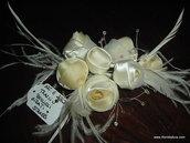 tralcio boccioli rose girate con strass e piume