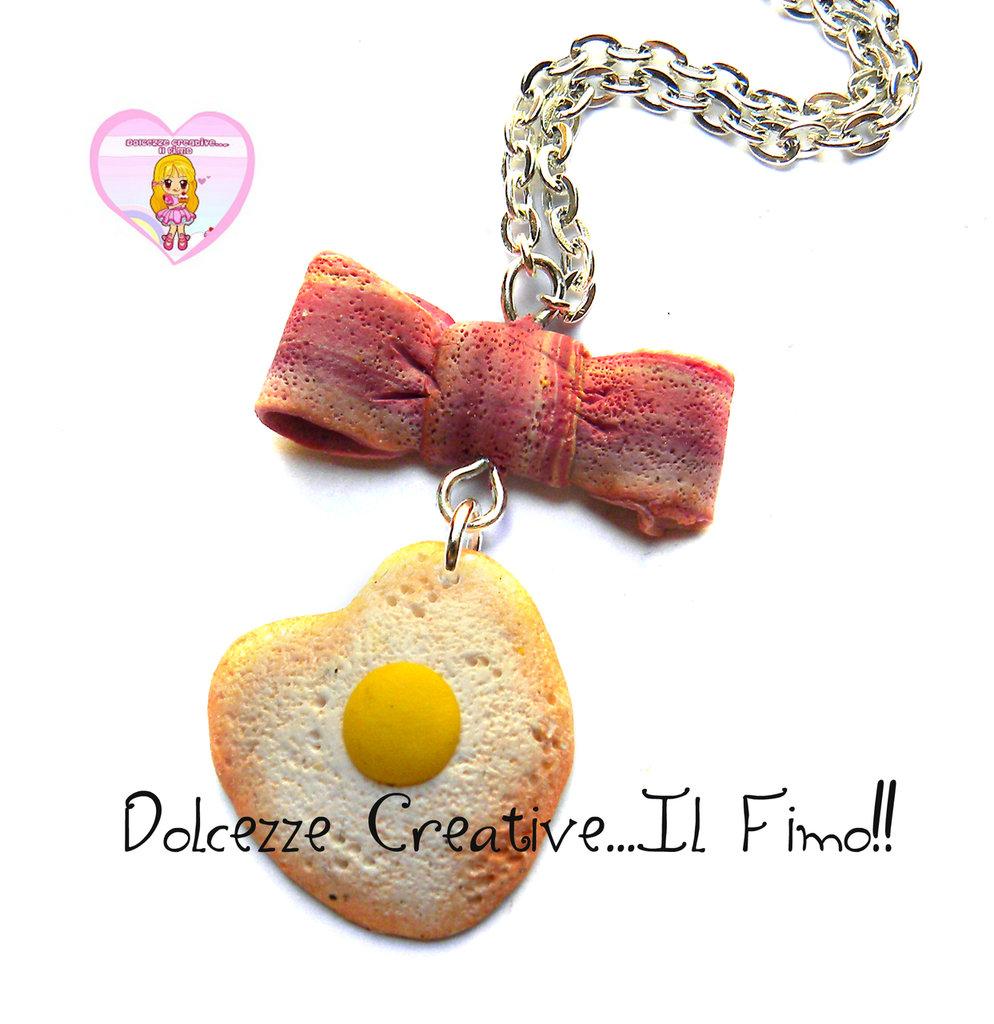 Collana Colazione - Bacon e uova! - uovo fritto a forma di cuore e pancetta a forma di fiocco