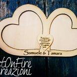Cornice portafoto cuore da parete in legno con incisione personalizzata