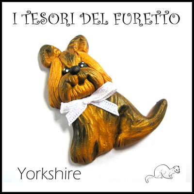 """Applicazione  bomboniera """" Doghy Doghy """" mod. Yorkshire cane cagnolino   Fimo cernit kawaii battesimo comunione matrimonio decorazione portaconfetti segnaposto cresima magnete"""