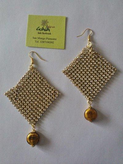 Orecchini a fazzoletto dorati con cristallini, pendente in Murano