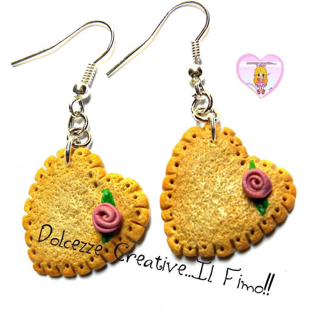 Orecchini biscotto a forma di cuore con rose viola - handmade kawaii bijoux