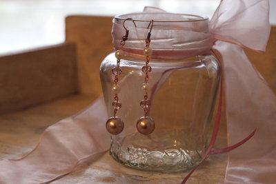 Orecchini, perle rosè