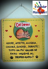 targa in legno con logo in polvere di ceramica, decorata a mano con colori acrilici (tema cat lover)