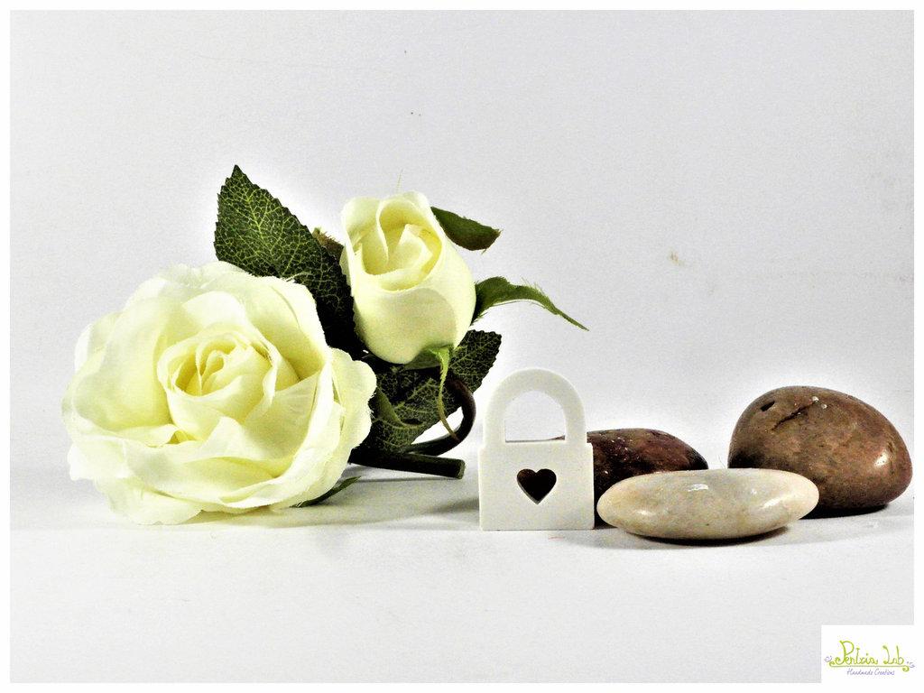lucchetto in gesso ceramico, bianco o colorabile su richiesta. ordine minimo 5 pz