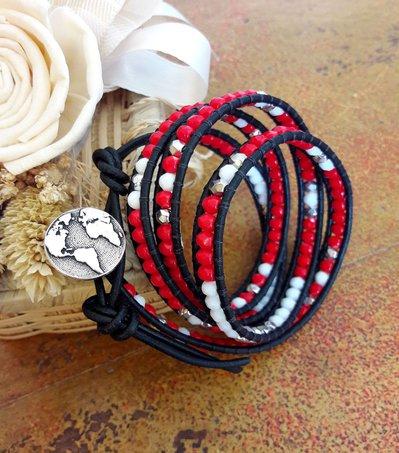 Bracciale rosso in cuoio, bohemian, chan luu style, bianco, silver, wrap, idea regalo per lei, bottone mondo