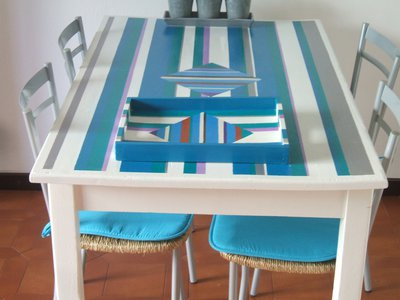 Tavolo blu stile marino