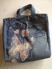 Shopper ricamata e strass