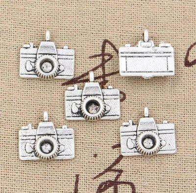 4 charms a forma di macchina fotografica