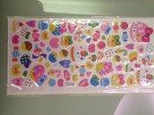 un foglio di sticker in gomma con dolcetti