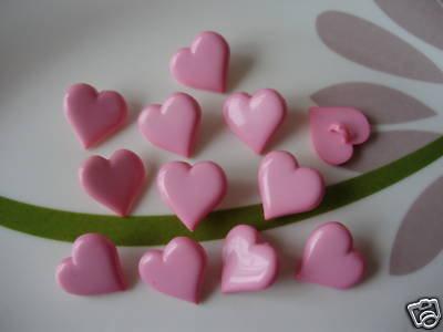 9 BOTTONI CUORE ROSA PLASTICA - heart buttons