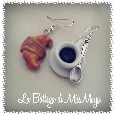 Orecchini tazzina di caffè e croissant