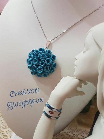 Collana con pendente ciondolo  fiore  in fimo bouquet di rose turchese bijoux fatto a mano