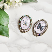 """Spilla stile vintage con tre coniglietti, stelline dorate e cristalli - """"Maravilia"""" Tea party"""