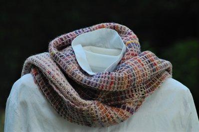 Sciarpa di lana biologica tessuta a mano