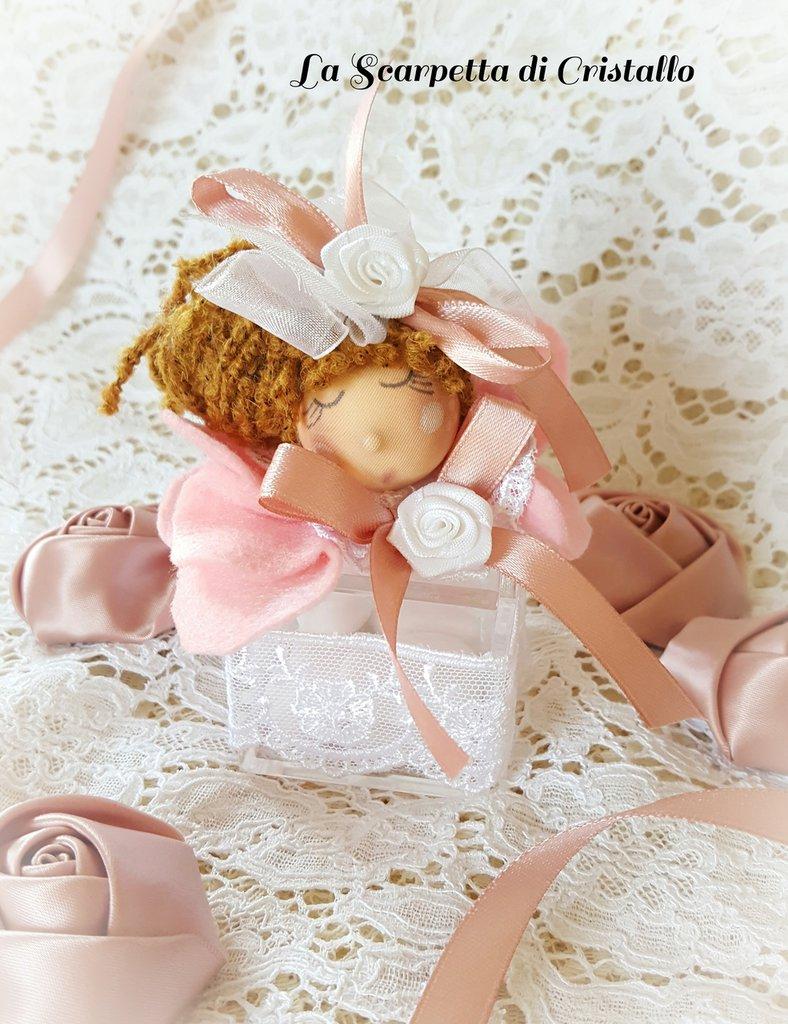 Scatolina porta confetti con bambolina