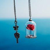 Collana con rosa in campana // Rosa Incantata // La Bella e la Bestia